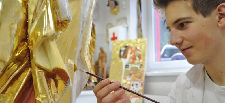 fachschule_kunsthandwerk-schnitzschule_maler_vergolder_schriftdesigner_1